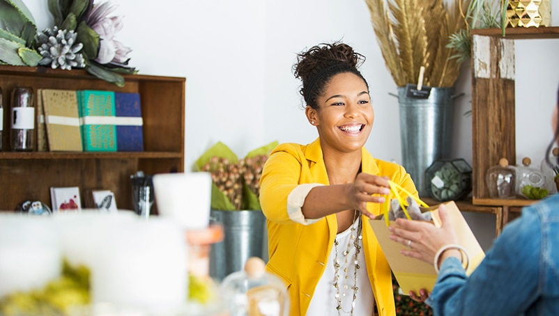 How to Advertise a Small Business – 3 Efficient Ways to Get More Customers